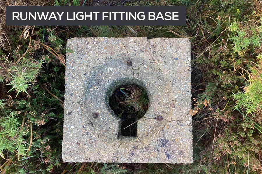 runway light fitting