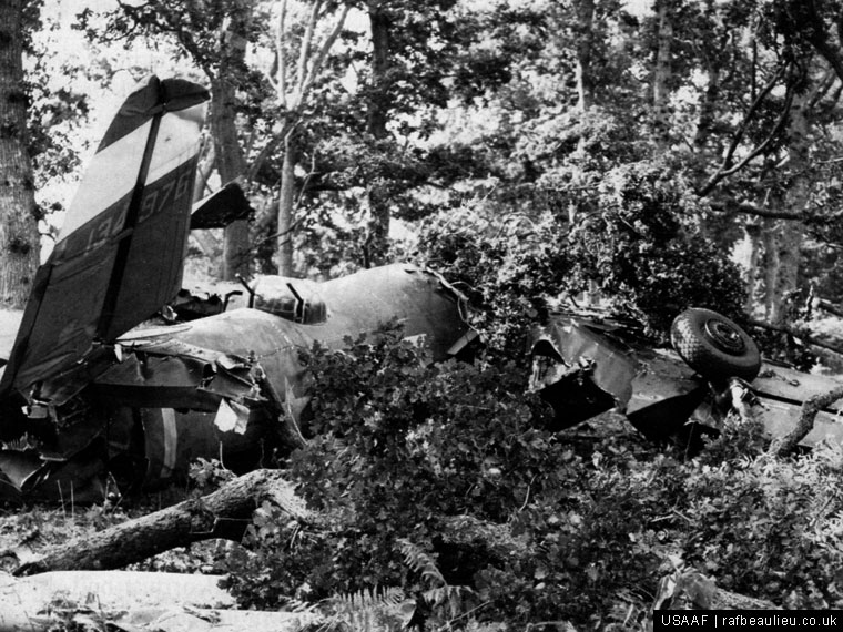 WW2 USAAF air crash at Beaulieu Airfield