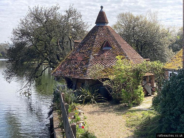 beaulieu dairy house from the bridge