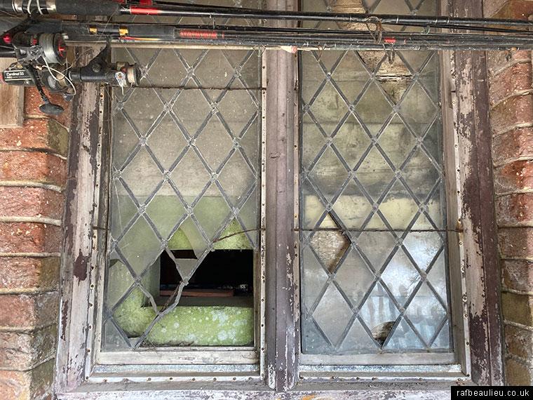 disguised pillbox window