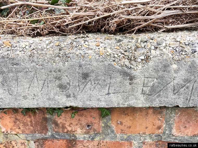 mowlems construction graffiti